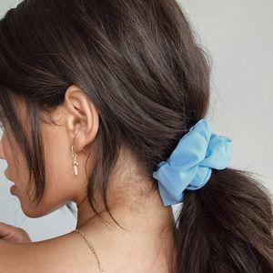 Accessories - blue crush 🦋 3 pack silk satin scrunchies